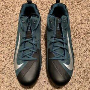 Nike Alpha Menace Size 16 Football Cleats